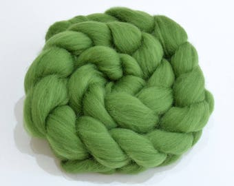 Merino Wool Combed Top - Green - Spinning - 100 grams