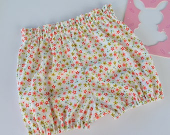 Baby girls bloomer shorties. Floral print. Size 1