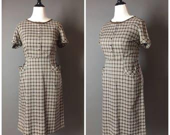 Vintage 50s dress / 1950s dress / shirtwaist dress / gingham dress / plaid dress / Volup dress / plus size dress / Day Dress / 8093