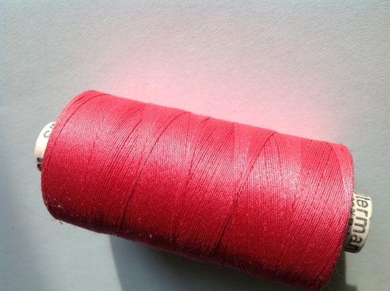Extra strong, Gutermann sewing thread, 500m mid pink no890
