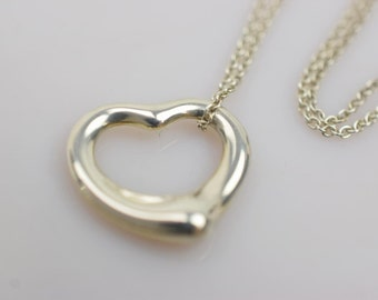 Gorgeous Authentic Tiffany & Co Sterling Silver Floating Heart Necklace