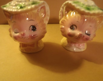 Vintage Miss Priss Winkin-Kitty   Salt & Pepper  Shakers