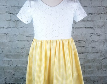 Girls Gingham Dress, Yellow Gingham and White Eyelet, Scoopback Dress, Sizes 2T-5yrs, Custom Made, Hand Made, Handmade