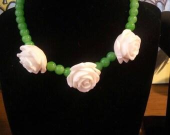 White rose choker