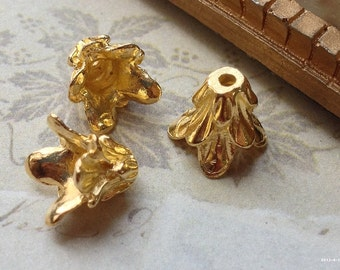 10 mm Golden Plated Morning Glory Flower Bead Cap (.am)