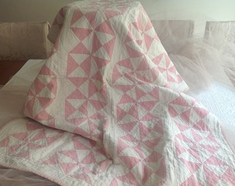 Lovely antique completely hand sewn pink cottage farmhouse lap*baby quilt