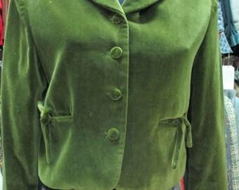 Giacchina in velluto liscio verde.Anni 80 by Laura Biagiotti.TgS/Cute 80s plain green velvet jacket/ Made in Italy by Laura Biagiotti/Size S