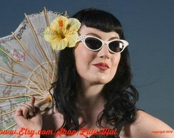 Clearance!!Yellow Hibiscus Hair Clip, Tropical Flowers, Pinup Hair, Beach Wedding