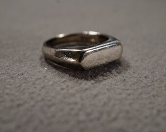 Vintage Sterling Silver Band Ring Signet Design Engrave Art Deco Style, Size 7