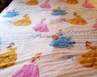 Disney Princess Cinderella Belle Aurora Flat Bed Sheet Bedding Crafts Pre-owned 62 x 94 Inches