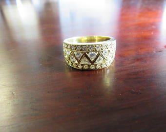 Diamond Ring 18 Karat Yellow Gold VS E - F Diamonds 0.70 Carats Finely Matched Ring