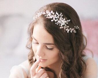 Bridal Headpiece White Wedding hairpiece Bride Halo Beaded hair vine Romantic hair piece Hairvine for bride Bridal hair accessory