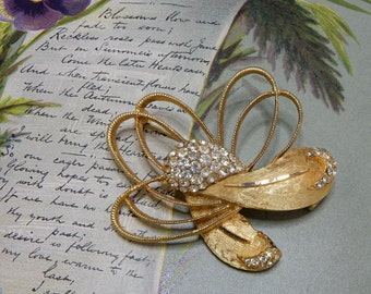 Signed BSK Brushed Gold & Rhinestone Brooch    NCM37