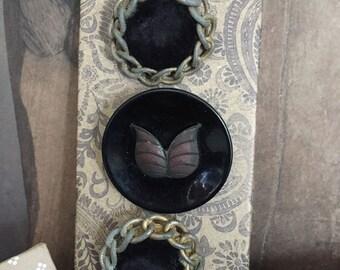 Notions: Antique Vintage Buttons on Decorative Card Set/ 3