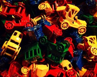 4pcs VINTAGE TINY CARS Metal Rolling Wheels