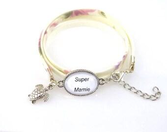 """Great Grandma"" gift floral ivory for a grandma bracelet"