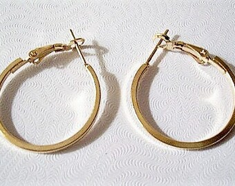 "1 1/2"" Square Band Hoops Pierced Earrings Gold or Silver Tone Vintage Large Round Open Box Tube Support Clips Rings"