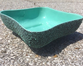 mid-century Kenwood Shawnee Pottery confetti splatter bowl - model 2116