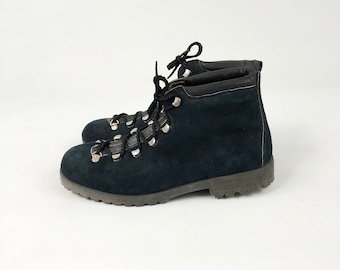 Vintage 70s Italian Hiking Boots -  Mens Womens Navy Suede Leather Lace Up Mountaineering Ankle Boots - Camping Gear- Size 8 / 10