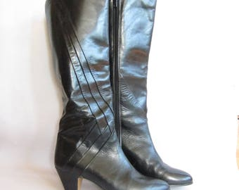 Vintage 1980s Black Leather Boots with Pleated Stripes / 80s High Heel Boots Vaneli Made in Spain New Romantic Pirate Size 6.5