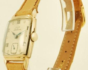 """Elgin """"DeLuxe"""" grade 558 vintage wrist watch, 17 Jewels, Elgin rectangular yellow gold (filled) case"""