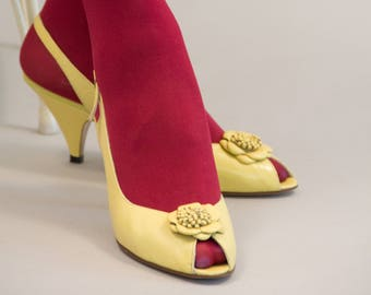 80s Yellow Leather Peep Toe Pumps with Flower Trim Slingback Pumps by Denny Stewart Size 8 B Leather Soles Eighties Shoes