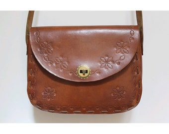 1970 craft tooled Bag / 70s tooled leather messenger/ 70s hippie bag
