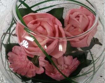 Coral Roses in Glass Bowl Green Grass and Leafs