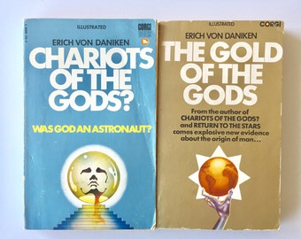 Pair Chariots of the Gods and The Gold of The Gods  Books by Erich Von Daniken Retro Conspiracy Theory Books Aliens Astronauts