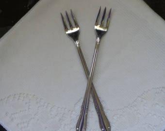 Oneida Stainless Plantation Appetizer Forks Set of 2