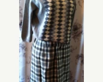 35% off Sale 1950 pencil skirt and sweater set size 4