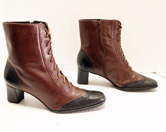 women lace up ankle boots size 9.5 Wide