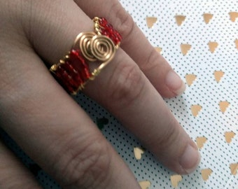 Handmade Beaded Ring - Beaded Ring made with artistic wire and red seed beads - Handmade Ring - Seed beads ring -  Swirl Ring - Red Ring