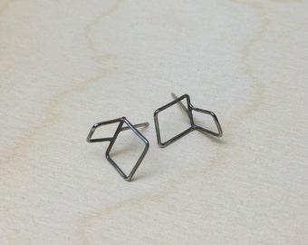 Folded square sketch studs