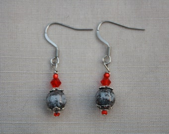 Drops earrings red and grey