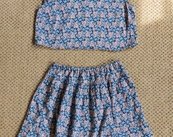 Reclaimed Vintage Dark Blue, Grey and Crushed Pink Floral Soft Viscose Two Piece Crop Top and Mini Skirt Co-Ord UK Size 6/8 / US Size 2/4S