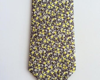 SHIPS IMMEDIATELY, Grey and Yellow Skinny tie, Liberty Print Tie, Grey Floral Necktie, tie, Liberty of London, liberty print, floral necktie