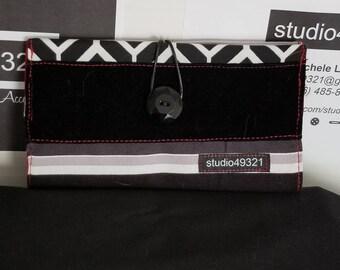 Geometric Patterned Bi-Fold Women's Wallet