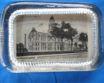 Rock island Illinois Court House paperweight paper weight Vintage image