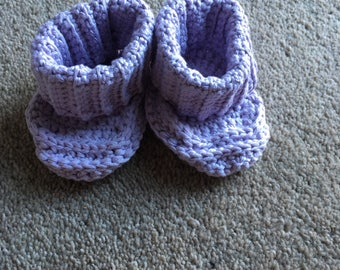 Dusty lilac baby booties