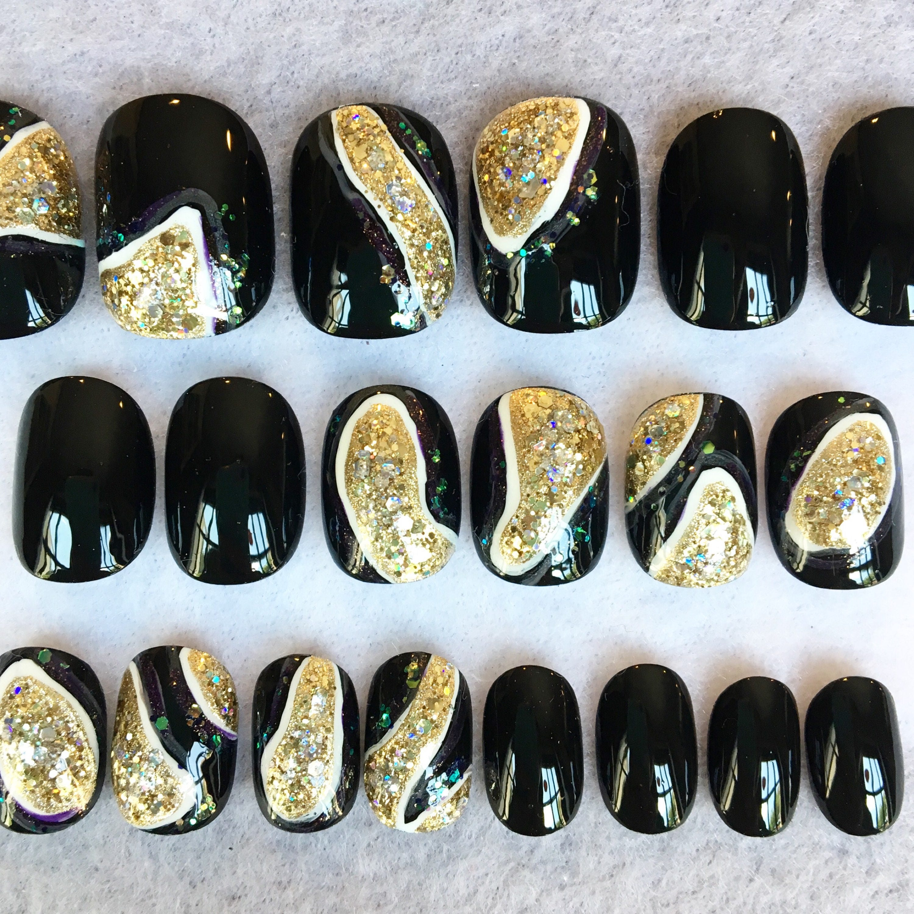 Black And Gold Geode Nails * Fake Nails * Faux Nails * Glue On Nails ...