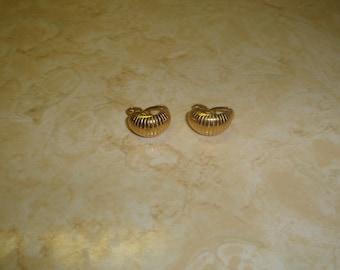 vintage clip on earrings goldtone textured hoops