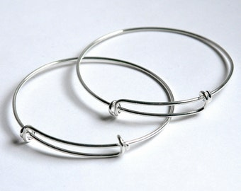 SHINY Silver expandable wire bangle bracelet for charms. Adjustable, silver wire. Qty 1. For stacking, charm bracelets. Bracelet blanks.