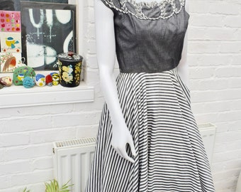1950s Grey Stripe Circle Dress Sleeveless Rockabilly xs