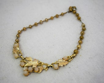 Vintage 1950s leaves and faux pearls choker