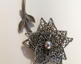 Vintage  Antiqued Silver Flower Brooch Pin Daisy