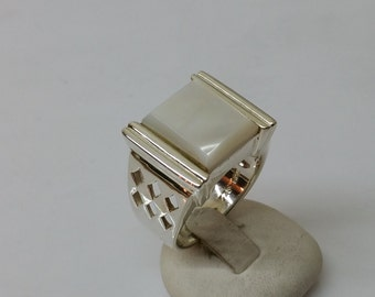Silver mother of Pearl plate ring white vintage SR450 nostalgic