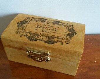 "Trinket Box Gift reads ""On Your Special Day""."