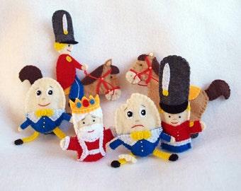 Humpty Dumpty finger puppet, king puppet, horse puppet, king's men puppet, nursery rhyme puppet, mother goose puppet, felt finger puppet