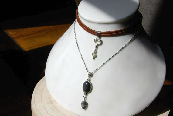 Obsidian celestial eye in Choker, Necklace in Leather with Key, Natural Stone.
